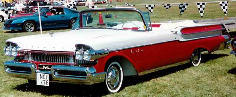Mercury_Convertible_1957