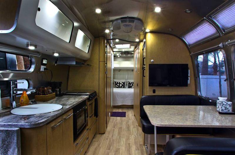 Airstream_Village_LE16_t1000