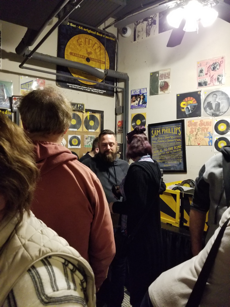 Sun studio crowd