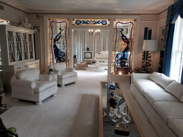 Elvis livis room copy
